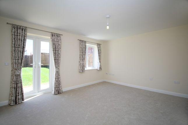 Living Room of Glen Road, Loughborough LE11