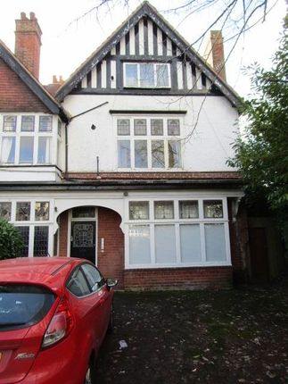 Studio to rent in Wake Green Road, Moseley, Birmingham B13