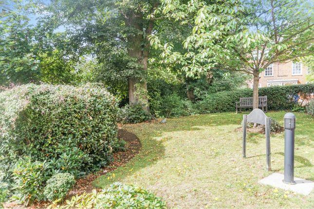 Communal Gardens of Albion Place, Northampton NN1