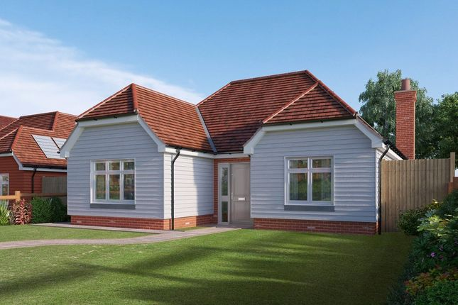 Thumbnail Detached bungalow for sale in Edenbridge Kent