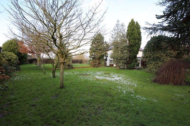 Side Garden of Tarvin Road, Frodsham WA6