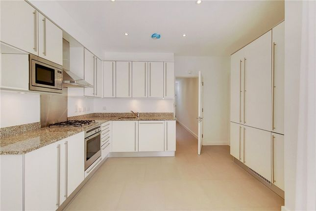 Thumbnail Mews house to rent in Great Cumberland Mews, Marylebone, London