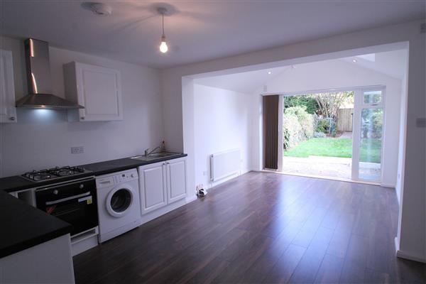 Thumbnail Terraced house to rent in Blenheim Gardens, Wallington