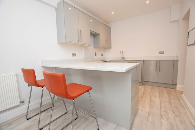 Thumbnail End terrace house to rent in Quebec Road, Henley-On-Thames