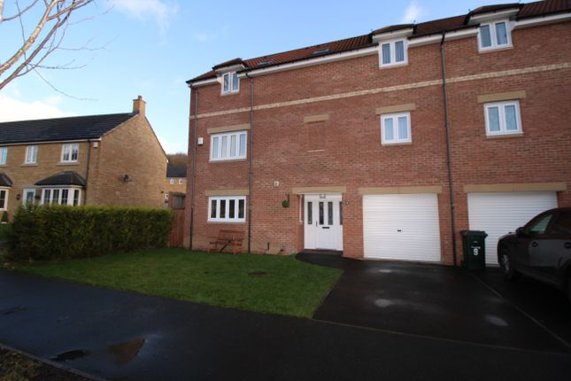 Thumbnail Town house for sale in Mill Vale, Newburn, Newcastle Upon Tyne