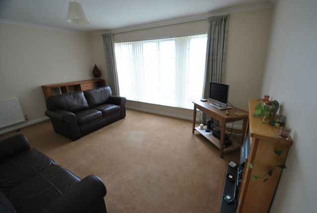 Thumbnail Flat to rent in Old Castle Gardens, Cathcart, Glasgow, Lanarkshire G44,