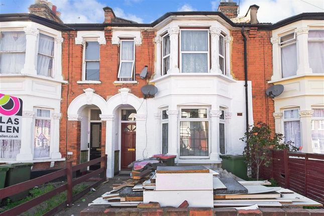 Thumbnail Maisonette for sale in Sheringham Avenue, Manor Park, London