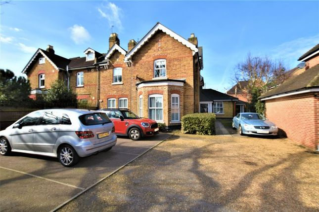 Thumbnail Flat for sale in Avenue Road, Harold Wood, Romford