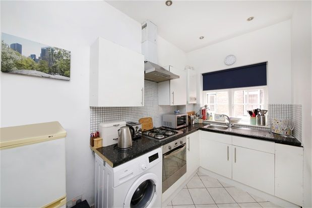 3 bed flat for sale in Crystal Palace Park Road, London