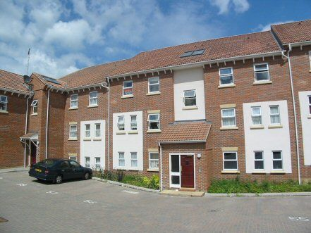 Thumbnail Flat to rent in Mary Court, Chatham, Kent