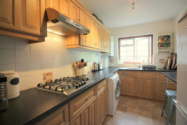 Thumbnail Maisonette to rent in Ickenham Road, Ruislip