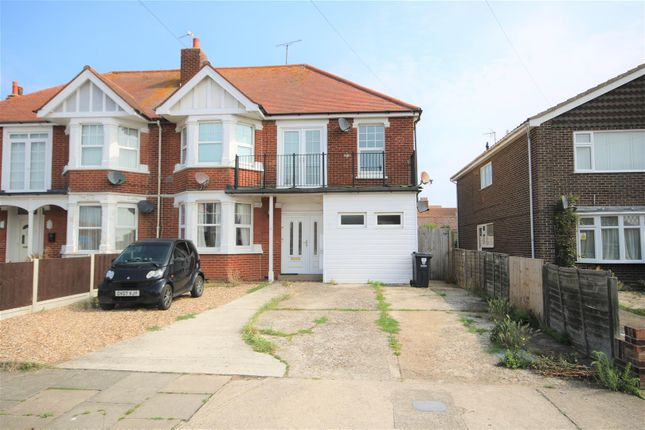 Thumbnail Flat to rent in Kings Road, Clacton-On-Sea