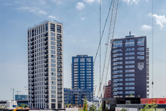 Thumbnail Property for sale in Albion House, City Island, London