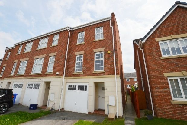Thumbnail Town house to rent in Shining Bank, Handsworth, Sheffield
