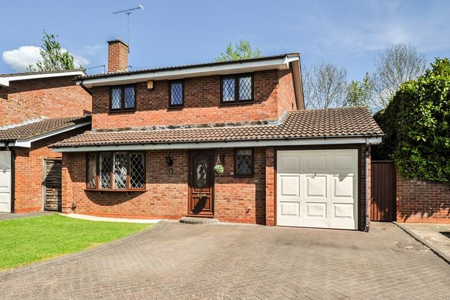 4 bed detached house for sale in Hartlebury Close, Church Hill North, Redditch
