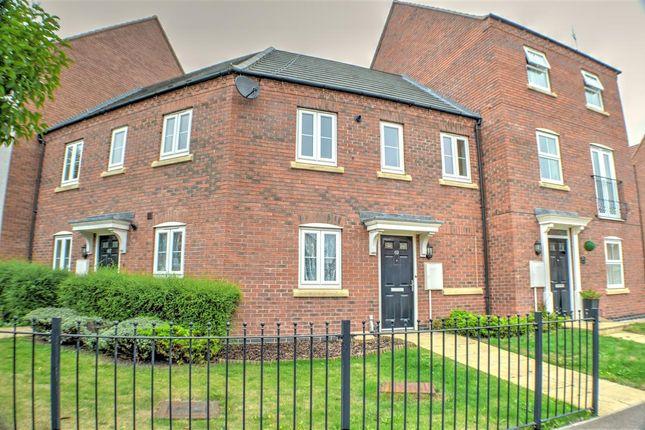 Thumbnail Maisonette for sale in Pentland Drive, Greylees, Sleaford