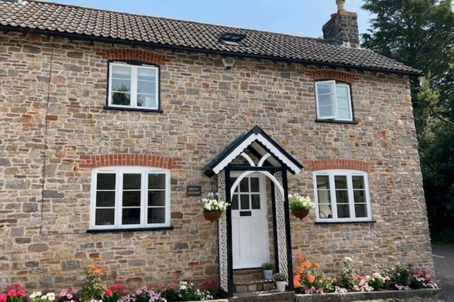 Room to rent in Smithy Cottage, Duck Street, Tytherington GL12