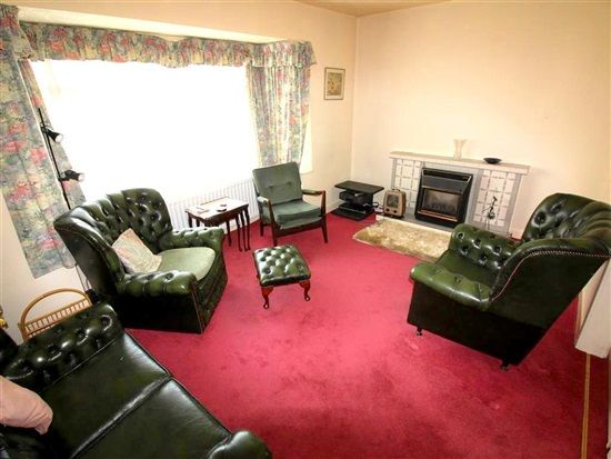 Lounge of St Thomas Road, Lytham St. Annes FY8