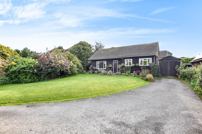 Thumbnail Detached bungalow for sale in Peasemore, Berkshire