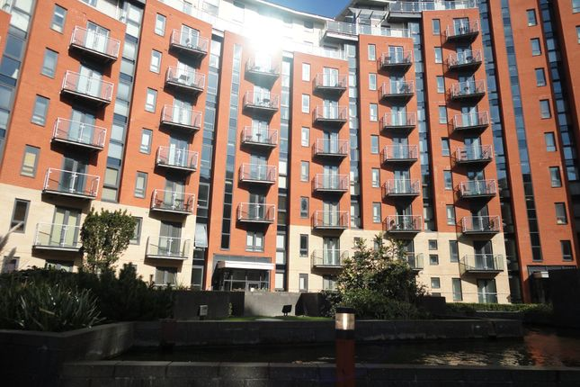 2 bed flat to rent in Gotts Road, Leeds