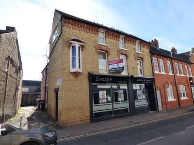 Thumbnail Retail premises to let in 2-4 New Street, St. Neots, Cambridgeshire