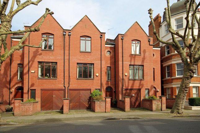 Thumbnail Flat to rent in Castellain Road, London