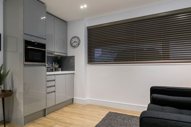 Thumbnail Flat for sale in London Road, Romford
