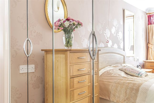 Flat for sale in Swan Lane, Faringdon