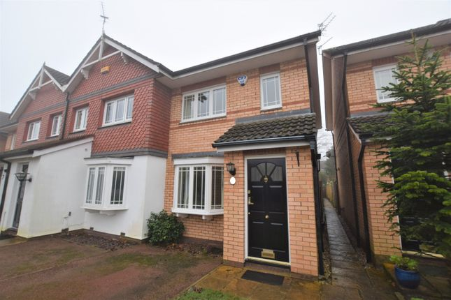 Thumbnail Mews house to rent in Livingstone Close, Macclesfield