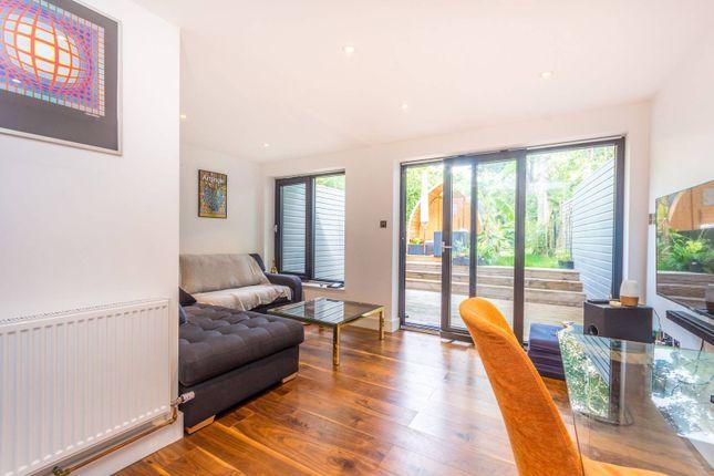 Thumbnail Flat to rent in St Pauls Road, Highbury And Islington