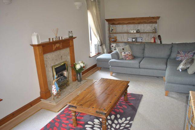 Lounge of Arrunden Court, Dunford Road, Holmfirth HD9