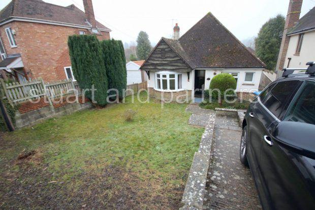 Thumbnail Bungalow to rent in Ashenground Road, Haywards Heath