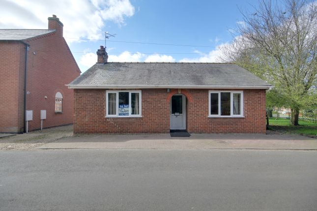 Thumbnail Semi-detached bungalow to rent in Bear Lane, Pinchbeck