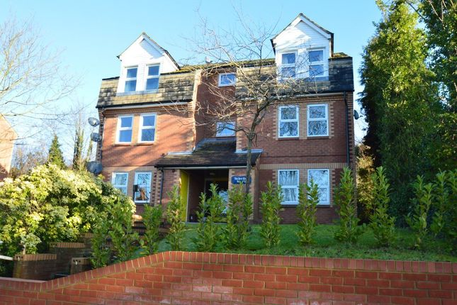 Thumbnail Flat to rent in Birches Rise, West Wycombe Road