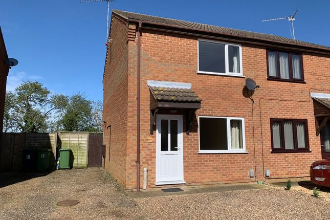 2 bed semi-detached house to rent in Hedgelands, Wisbech PE13