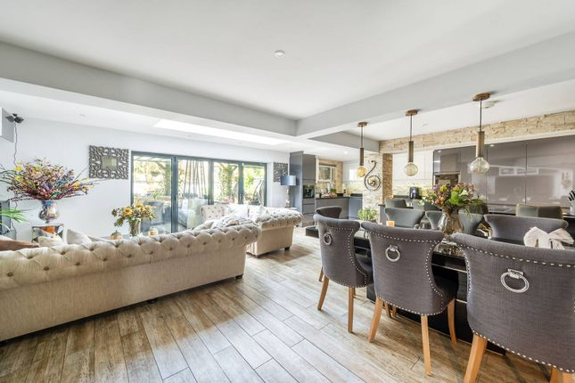 Thumbnail Property for sale in Collingwood Close, Twickenham