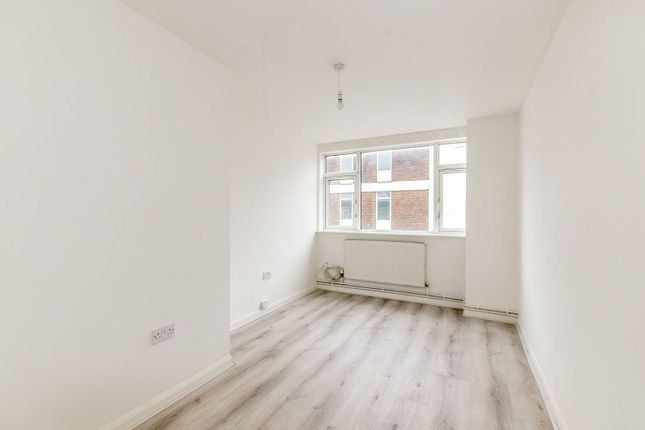 Flat to rent in Cricklewood Lane, Cricklewood