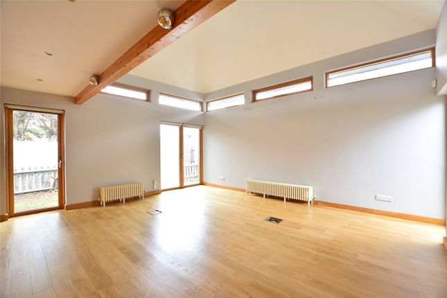 Thumbnail Bungalow to rent in Banchory Road, London