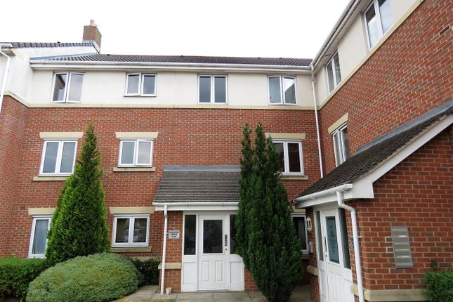 Thumbnail Flat for sale in Spinner Croft, Chesterfield