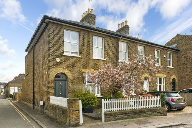 Thumbnail Semi-detached house for sale in Kew Foot Road, Richmond