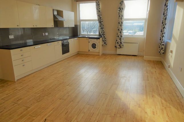 Thumbnail Flat to rent in Belle Vue Road, Wakefield