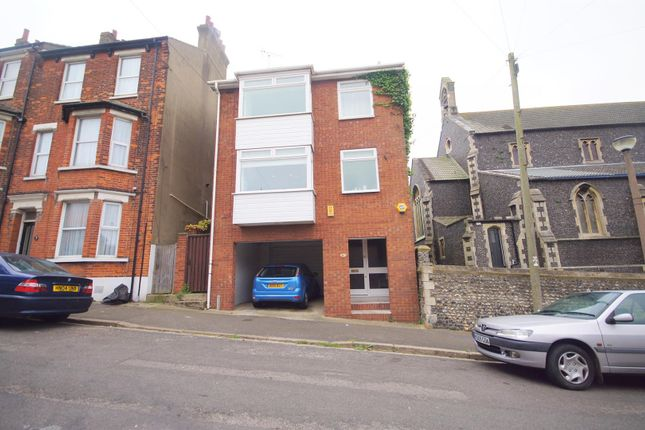 Thumbnail Property to rent in Avenue Road, Ramsgate