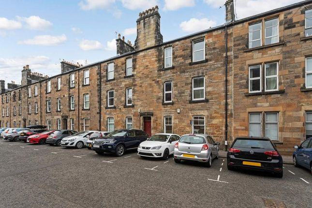 Thumbnail Flat for sale in Bruce Street, Stirling