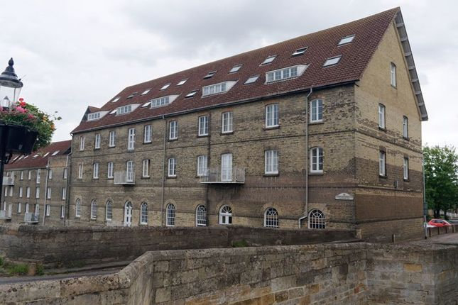 1 bed flat to rent in Riverside Mill, Bridge Place, Godmanchester, Huntingdon PE29