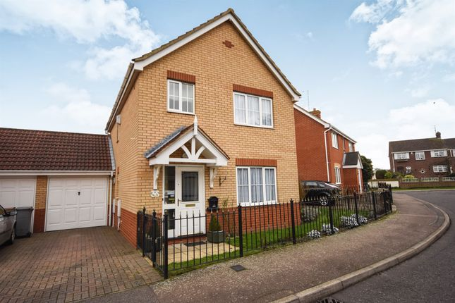 Thumbnail Detached house for sale in Amcotes Place, Chelmsford