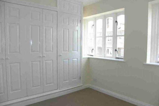 Thumbnail Flat to rent in Edward Road, New Barnet, Barnet