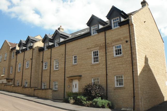 Thumbnail Flat to rent in Louise Rayner Place, Chippenham