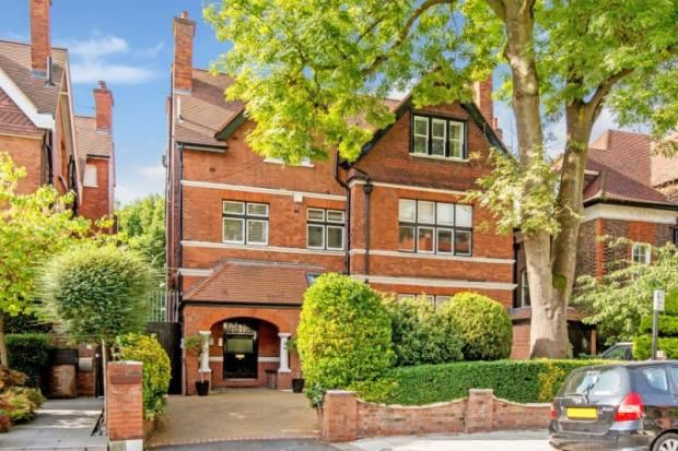 Thumbnail Flat for sale in Lindfield Gardens, Hampstead, London