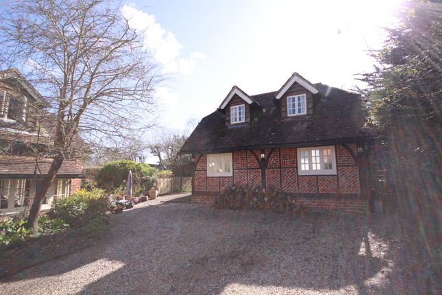 Thumbnail Detached house to rent in Catisfield Lane, Fareham