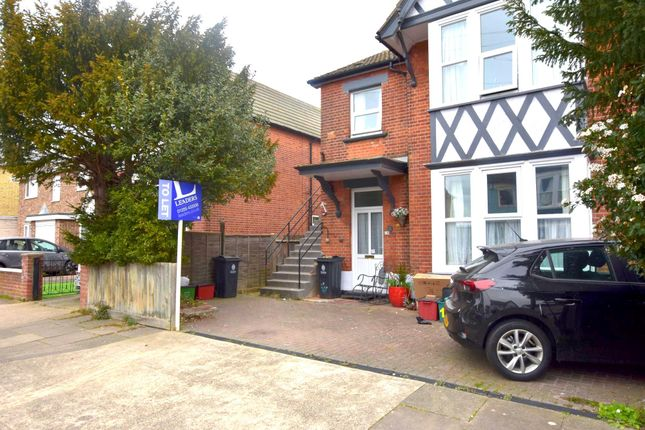 2 bed maisonette to rent in Beaconsfield Road, Clacton On Sea, Essex CO15